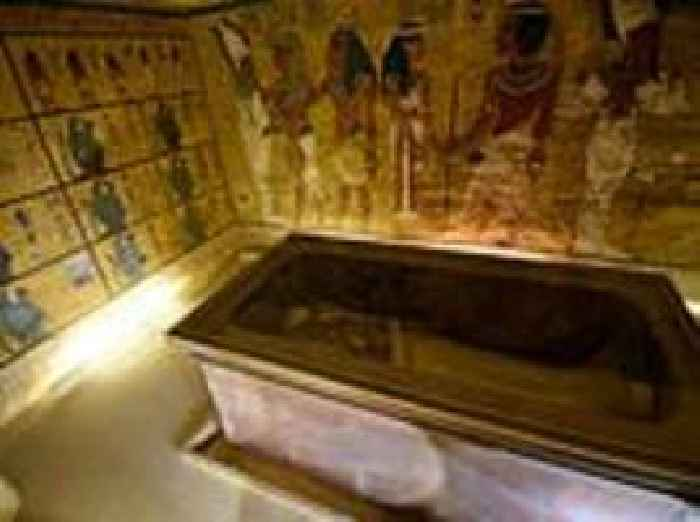 tutankhamens tomb and burial practices of pharaohs in the new kingdom egypt