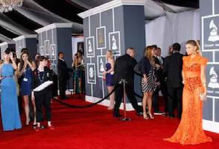 Watch live 2017 grammy awards red carpet one news page uk - Watch e red carpet online ...