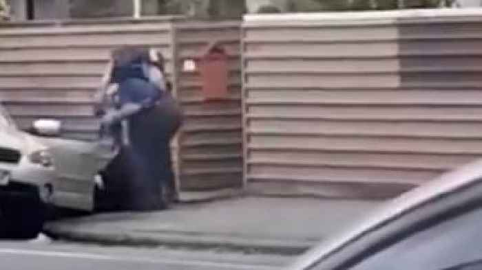 Footage Of Christchurch Shooting Wikipedia: Christchurch Mosque Shootings: Footage Shows Arrest