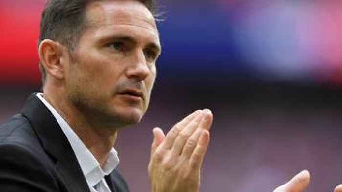 Frank Lampard: Rumoured Chelsea target in Derby County talks over new deal