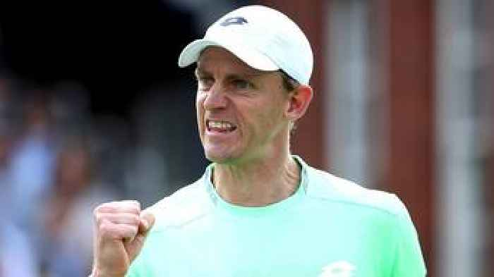 Queen's: GB's Cameron Norrie beaten by Kevin Anderson