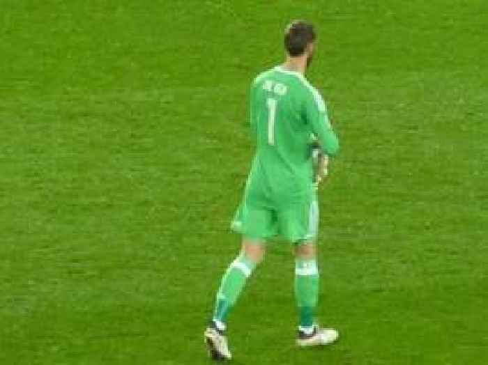 David De Gea 'undergoes extra training on his footwork' as Manchester United look to enforce ...