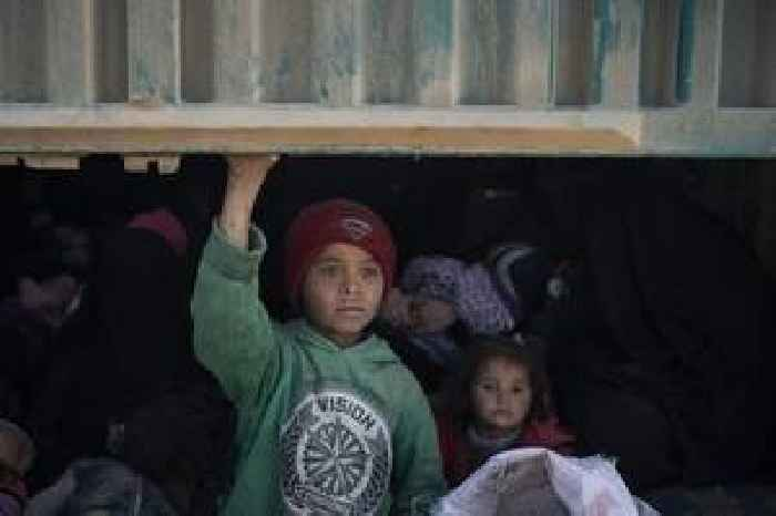 Arrests, extortion: Syrians warned against heading home