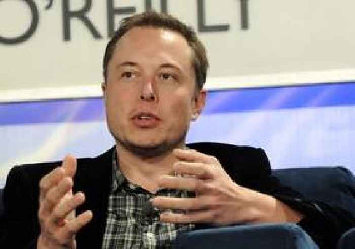 Elon Musk Says Tesla Now Has 250,000 Cybertruck Pre-Orders