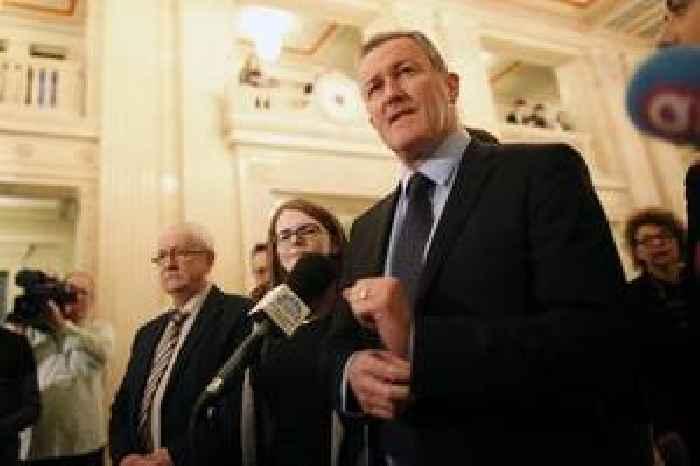 Stormont talks: Parties meet Northern Ireland Secretary Julian Smith in fresh bid to restore power-sharing