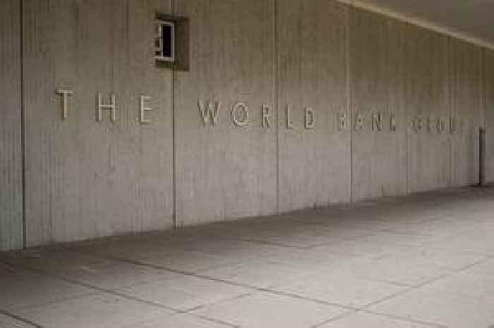 World Bank projects modest pickup of 2.5 pc in global growth