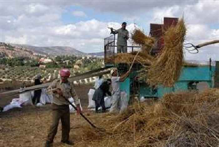 Israel halts ban on Palestinian exports after trade crisis
