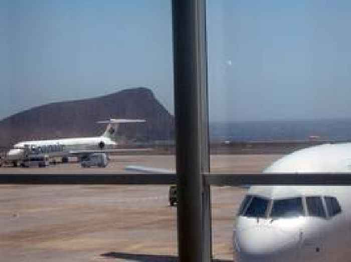 Canaries flights suspended as Saharan sand blankets islands
