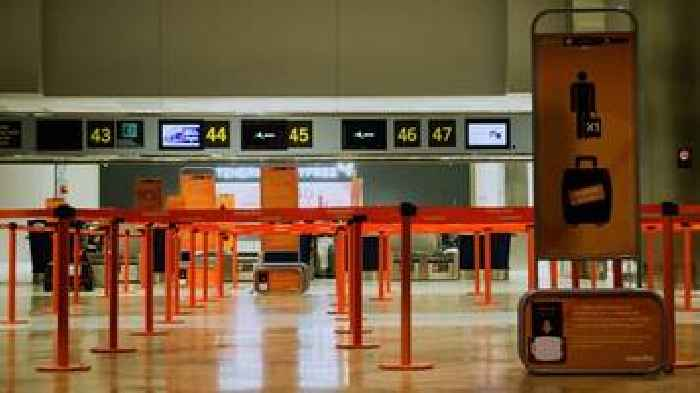 Canary Island airports reopen after Saharan sandstorm