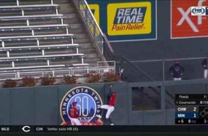 WATCH: Byron Buxton robs home run