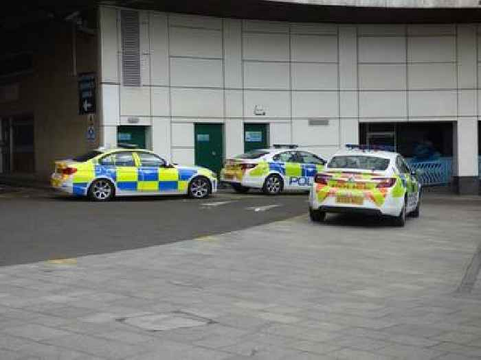 UK Police Arrest Man Suspected of Staging Birmingham Knife Attacks