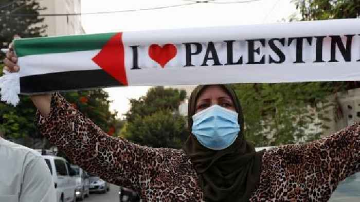 Israel Bombs Gaza Strip After Rocket Salvoes - One News ... Rockets Gaza Strip Israel