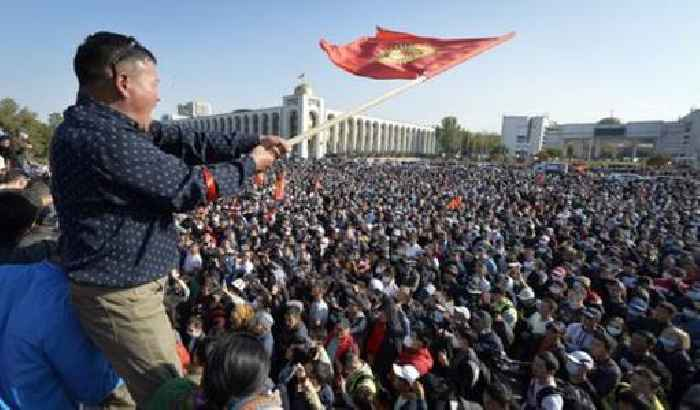 Kyrgyzstan opposition claims to have seized control of country