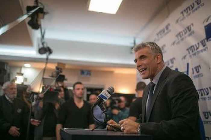 Lapid: It's possible to remove Netanyahu without elections