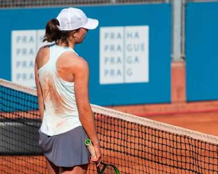 French Open Champion Iga Swiatek to quarantine after contact with Polish President