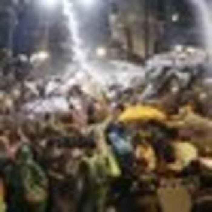 Thailand protests: Parliament meets to debate political deadlock