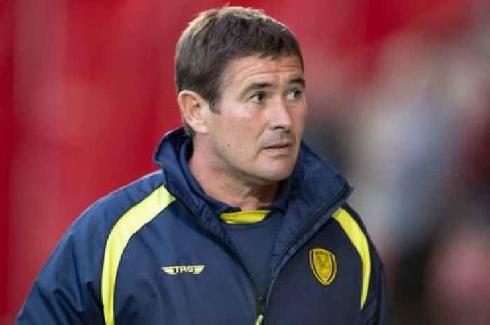 Forest favourite Nigel Clough back in football