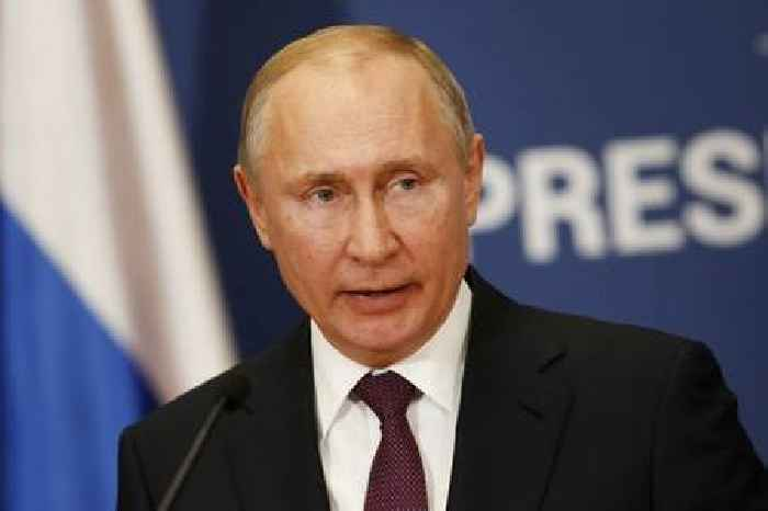 Russia's Putin says time for Syrian refugees to return home