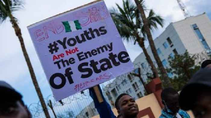 Nigeria Sars protest: Army chief denies firing live bullets at protesters in Lagos
