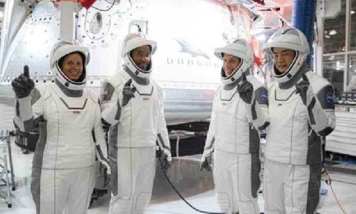 SpaceX Crew Dragon with 4 astronauts reaches space station