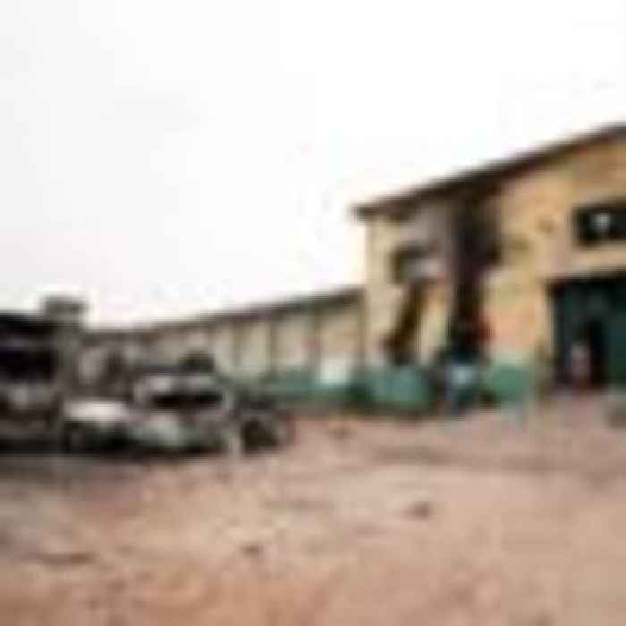 More than 1,800 prisoners escape after gunmen attack Nigeria jail