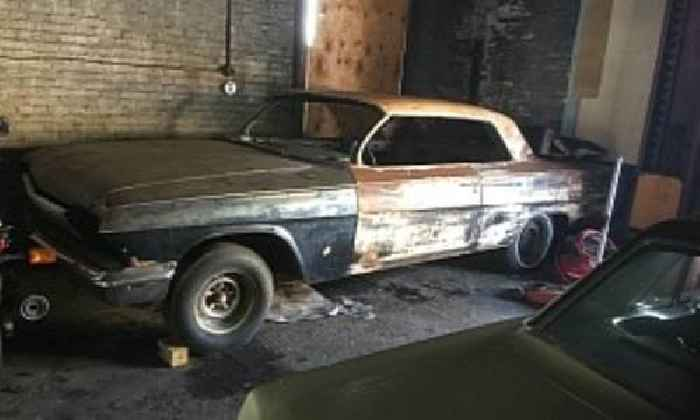 1962 Chevrolet Impala Looks So Bad the Owner Is Willing to Trade It for a Guitar