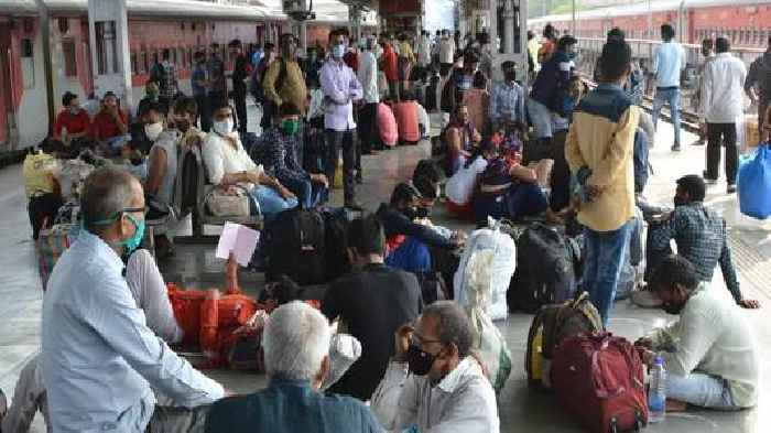 COVID-19: Western, Central Rly stop sale of platform tickets at Mumbai stations