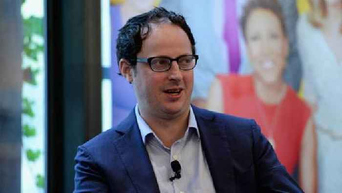Nate Silver Feuds With CNN Medical Analyst on Twitter After She Dismisses His 'Arrogant and Uninformed' Take on J&J Pause
