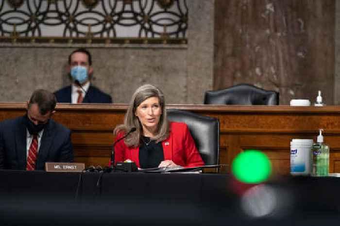 Republican Senators Ask FBI to Check Biden's Pentagon Nominee for Full Disclosure