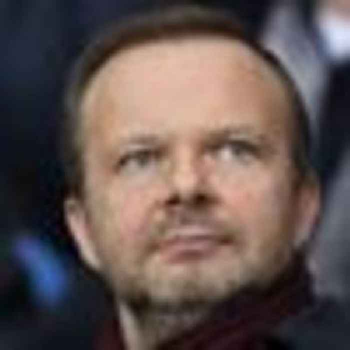 Ed Woodward steps down as executive vice-chairman of Manchester United