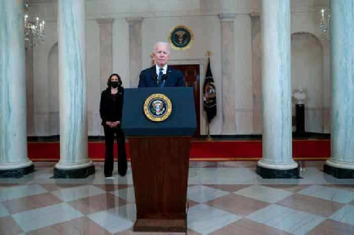 What Biden, Harris Tell George Floyd's Family After Dereck Chauvin's  Guilty Verdict