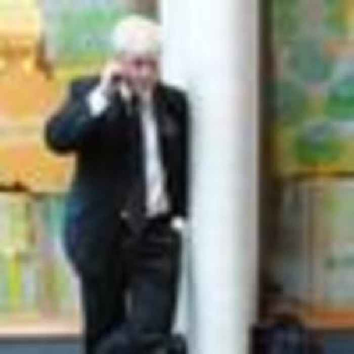 PM's mobile phone number has been freely - One News Page [UK]
