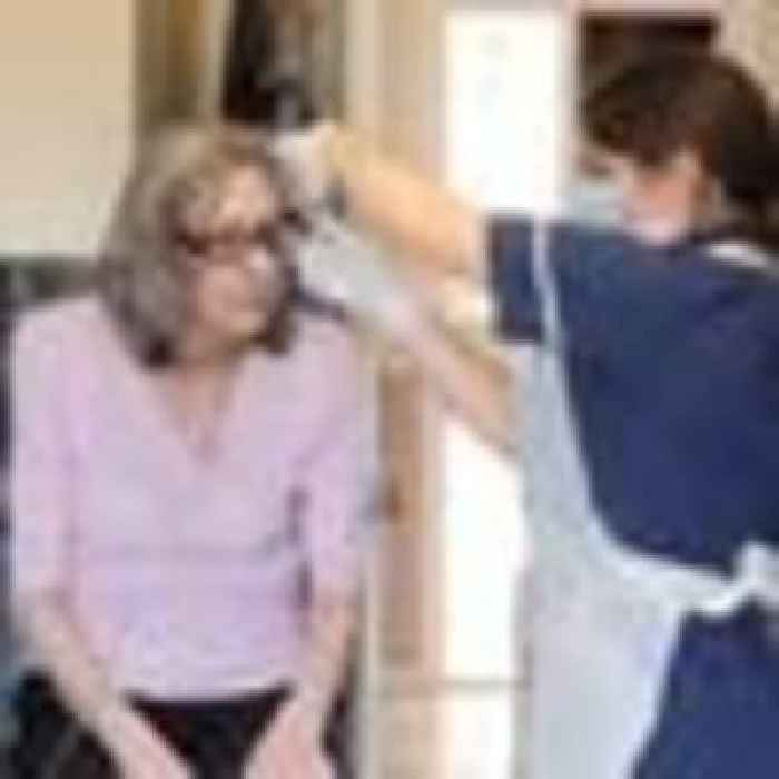 Pandemic 'just beginning' for overstretched community nurses as patient numbers rise
