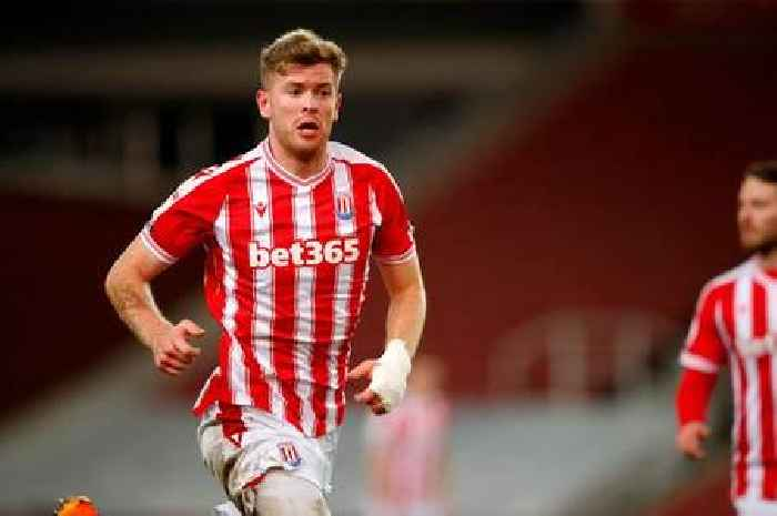 Collins urged to snub Liverpool and Man United amid transfer links