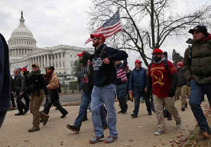 """Senate pushes FBI on intelligence """"fail"""" on Proud Boys at Capitol Riots"""