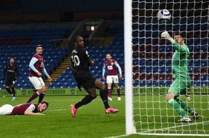 Leicester and Chelsea sent West Ham warning in top-four race