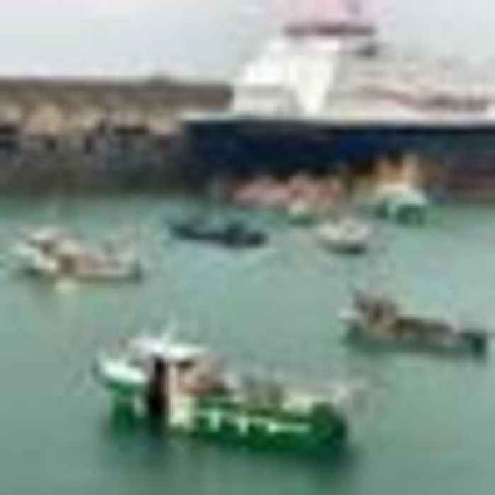 Jersey govt has 'constructive meeting' with French fishermen as Royal Navy ships prepare to leave
