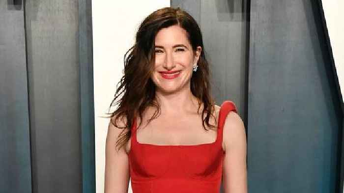 Kathryn Hahn Joins 'Knives Out 2'