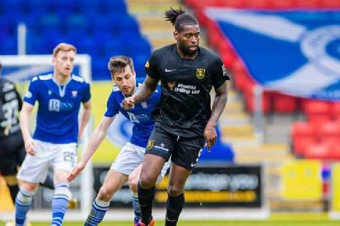 Livingston boss expects striker Jay Emmanuel-Thomas to sign for Aberdeen