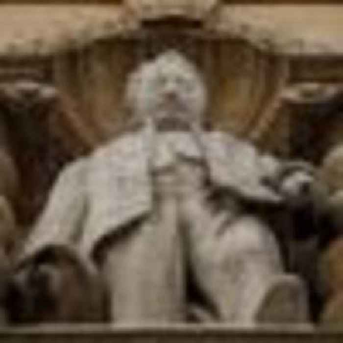 Oxford academics accused of 'punishing students' after boycott over Cecil Rhodes statue