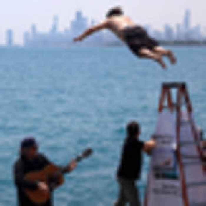 Covid 19 coronavirus: Chicago man jumps into Lake Michigan for 365th straight day