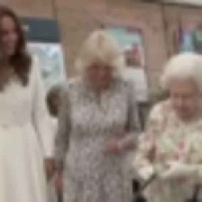 Queen Elizabeth insists on cutting cake with a sword at G7 Summit