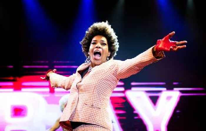 Macy Gray Says The American Flag 'No Longer Represents Democracy, Freedom,' Calls For A Redesign 'That All Of Us Can Honor'