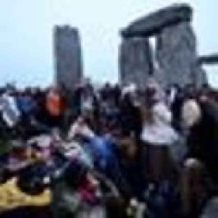 Stonehenge summer solstice live feed pulled as crowds gather against safety advice