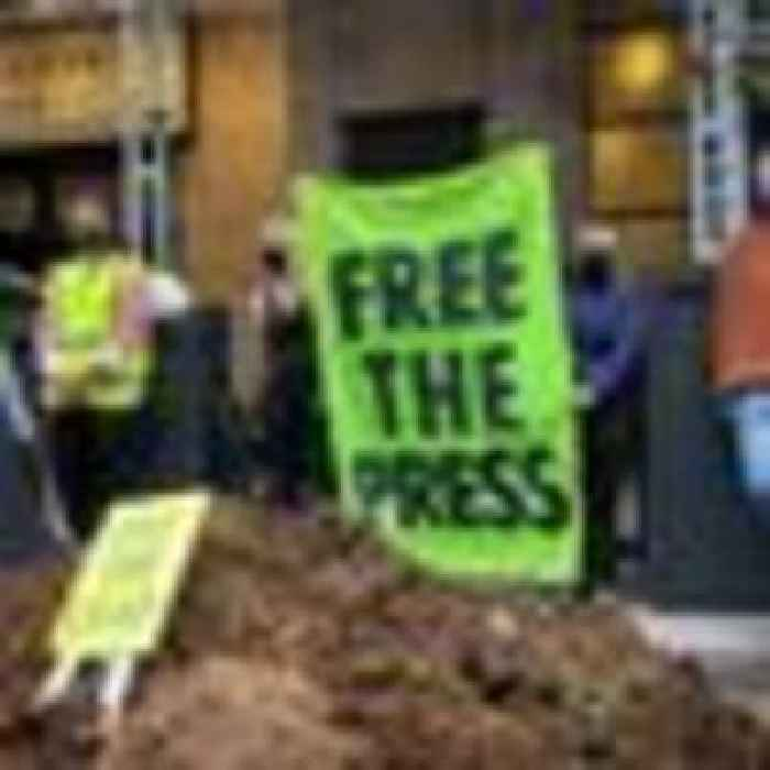 Seven tonnes of horse manure dumped outside newspaper offices at Extinction Rebellion rally
