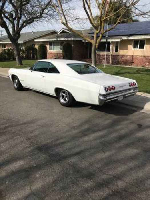 This 1965 Chevrolet Impala SS Sports a Rare Matching Numbers V8, Still Gorgeous