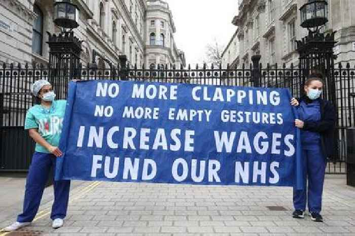 Who decides how much NHS nurses should be paid?