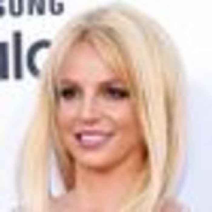 Britney asks court to end father's role in controlling her money