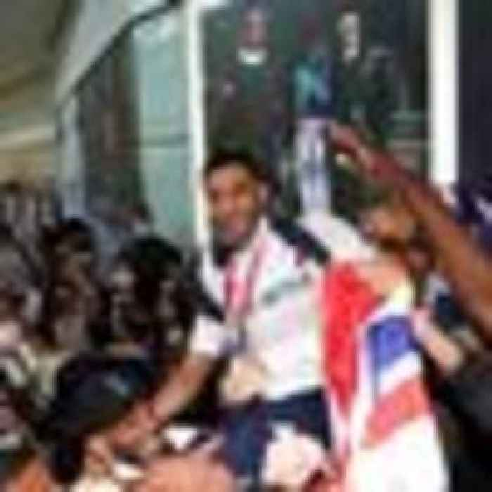 Heroes' welcome in UK for Team GB after an Olympic Games like no other