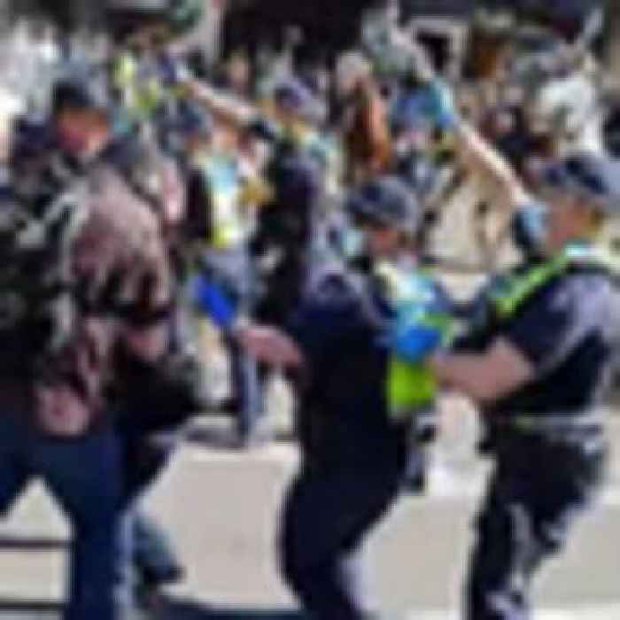 Covid 19 coronavirus: Police clash with anti-lockdown protesters in Melbourne, Sydney